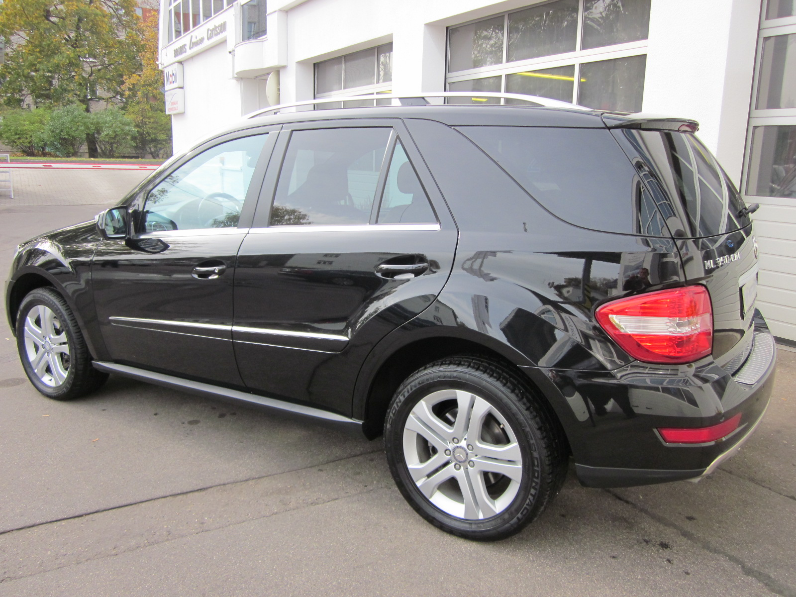 mercedes benz ml 350 cdi tuf lv. Black Bedroom Furniture Sets. Home Design Ideas